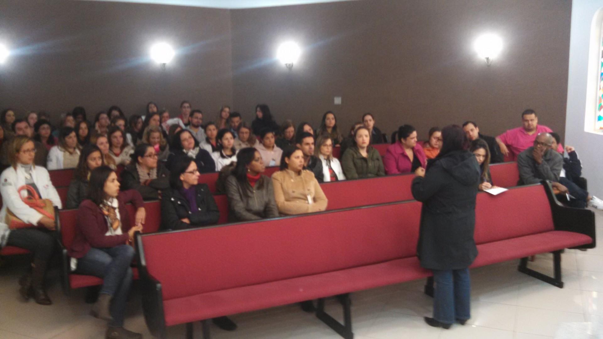 SEESP reúne enfermeiros da UNASP para esclarecer dúvidas sobre contratos de trabalho